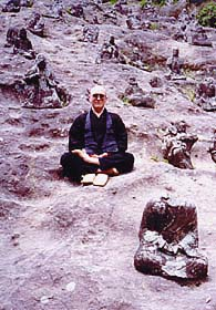 Taigen in Japan with ancient Buddhas